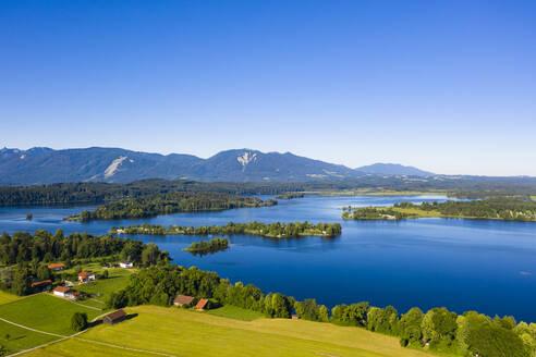 Blick von Rieden auf Staffelsee mit Gradeninsel, Gradeneiland, Insel Buchau und W�rth, Bayerisches Alpenvorland, Oberbayern, Bayern, Deutschland, - LHF00664