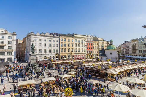 The main square, Rynek Glowny, in the medieval old town of Krakow, UNESCO World Heritage Site, Krakow, Poland, Europe - RHPLF00148