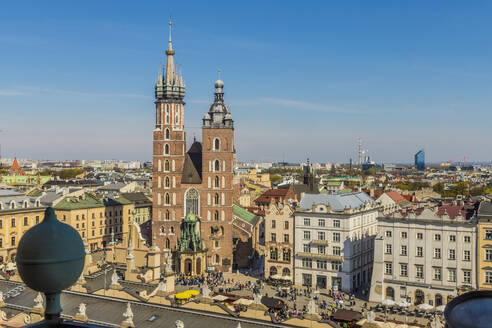 Aerial view of St. Marys Basilica and the medieval old town, UNESCO World Heritage Site, Krakow, Poland, Europe - RHPLF00151