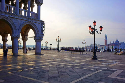 Doge's Palace and Piazzetta against San Giorgio Maggiore in early morning light, Venice, UNESCO World Heritage Site, Veneto, Italy, Europe - RHPLF00837