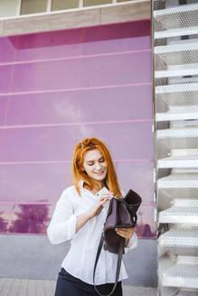 business woman in job day/SPAIN/GRANADA/GRANADA - LJF00704