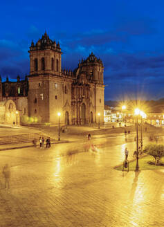 Main Square at twilight, Old Town, UNESCO World Heritage Site, Cusco, Peru, South America - RHPLF02495