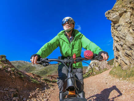 Senior man on mountainbike - LAF02356