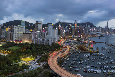 Elevated view, Harbour and Central district of Hong Kong Island and Victoria Peak, Hong Kong, China, Asia - RHPLF05129