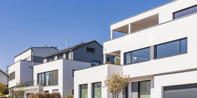 Deutschland, Baden-Württemberg, Landkreis Tübingen, Dettenhausen, Wohngebiet, Neubaugebiet, Neubau, moderne Ein- und Mehrfamilienhäuser, Wohnhaus, Villa - WDF05463