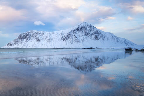 Skagsanden (Flakstad) Beach, Lofoten Islands, Nordland, Norway, Europe - RHPLF07324