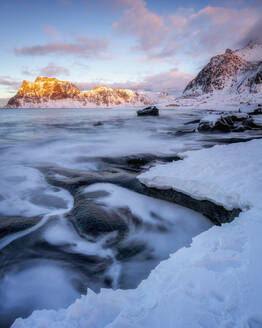 Uttakleiv Beach in winter, Lofoten Islands, Nordland, Arctic, Norway, Europe - RHPLF07327