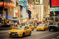 Yellow taxis in New York City - FOLF10717