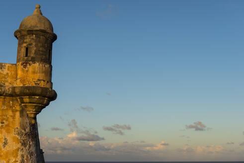 Fort San Felipe Del Morro against blue sky at sunset, San Juan, Puerto Rico, Caribbean - RUNF02944