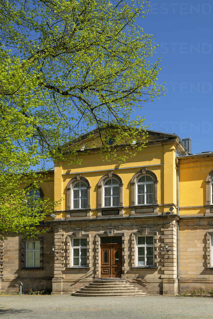 Masonic Museum against clear blue sky at Hofgarten, Bayreuth, Germany - LBF02703 - Lisa und Wilfried Bahnmüller/Westend61