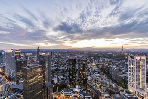 Deutschland, Hessen, Frankfurt am Main, Bankenviertel, Banken, Hochhäuser, Bürogebäude, Finanzen, Finanzplatz, Bankenplatz, Wolkenkratzer - WDF05494