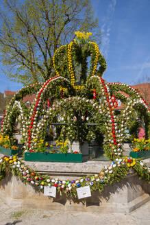Osterbrunnen, Heiligenstadt im Leinleitertal, Oberfranken, Franken, Bayern, Deutschland - LB02719