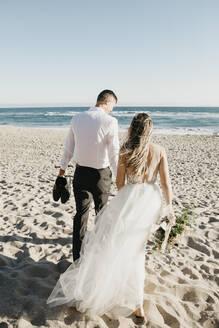 natural beach wedding shooting with a young couple, Sunset Beach, USA, California, Huntington Beach - LHPF00808