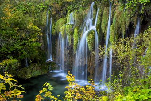 Waterfalls in Plitviche National Park, UNESCO World Heritage Site, Croatia, Europe - RHPLF09617