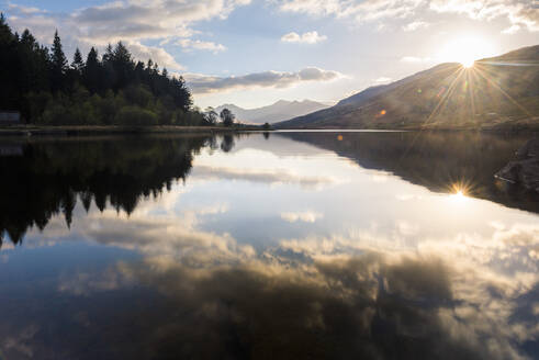 Llynnau Mymbyr Lake at sunset, Capel Curig, Snowdonia National Park, North Wales, United Kingdom, Europe - RHPLF10326
