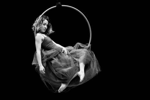 Aerial dancing beauty - CAVF64050