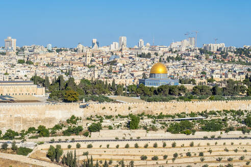 Jerusalem skyline, Dome of the Rock and buildings in the Old City. - CAVF64521