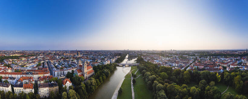 Germany, Bavaria, Upper Bavaria, Munich cityscape with St Maximilian Church and Reichenbach bridge on Isar river - SIEF09109