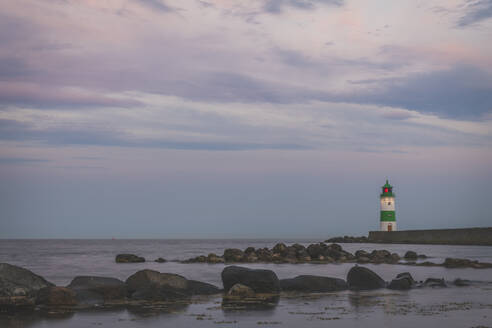 Germany, Schleswig-Holstein, Schleimunde lighthouse seen at dusk - KEBF01353