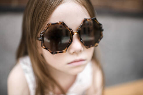 Portrait of a girl with sunglasses - EYAF00550