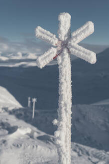 Ski trail sign - JOHF02847