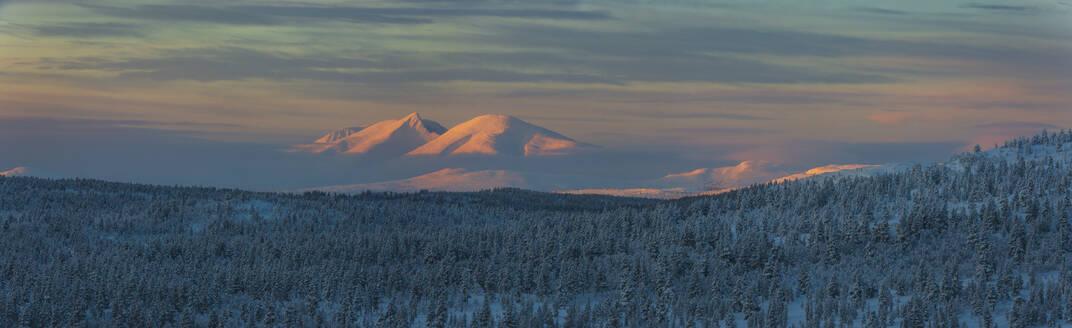 Winter landscape at sunset - JOHF03090
