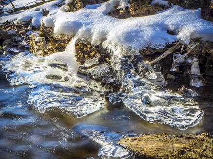 Germany, Bavaria, Ice forming at edge of stream - HUSF00092