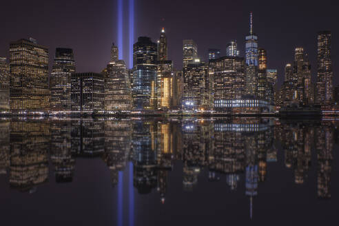 Skyline of Manhattan with Tribute in light, New York, United State. - DVGF00063