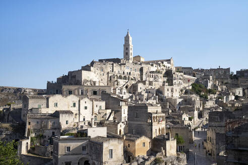 Italy, Basilicata, Matera,View of old town with cathedral - HLF01175