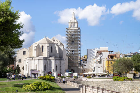 Italy, Apulia, Barletta, Cathedral of Santa Maria Maggiore with bell tower under renovation - HLF01192