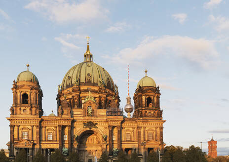 Germany, Berlin, Facade of Berlin Cathedral with Berlin TV Tower in background - GWF06218