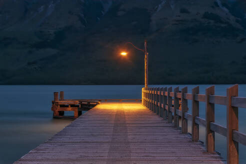 Pier in the evening, Glenorchy, South Island, New Zealand - SMAF01658