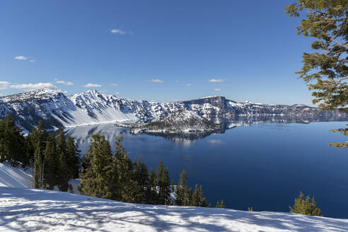 Idyllic view of Wizard Island at Crater Lake National Park - CAVF68340