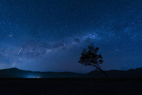 Indonesia_Mount Bromo_Milkyway - TOVF00137