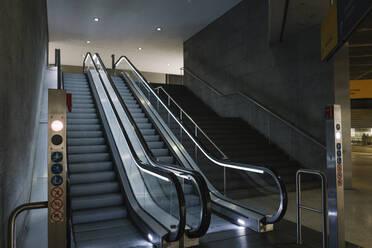 Escalator in underground station - AHSF01332