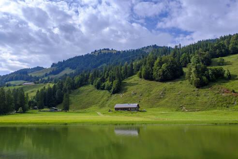 Leckner See, Lecknertal, Oberallgäu, Allgäu, Bregenzer Wald, Vorarlberg, Schwaben, Deutschland - LBF02796