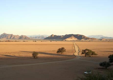 Desert landscape, Sossusvlei, Namibia - VEGF00965