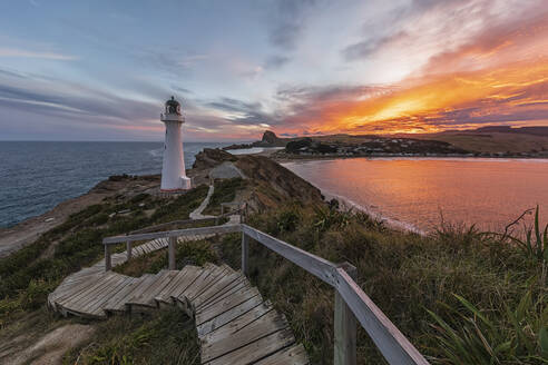 Lighthouse at sunset, Castlepoint, New Zealand - FOF11250