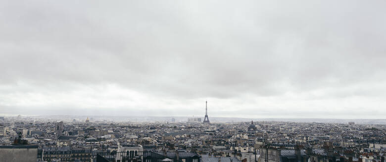 France, Ile-de-France, Paris, Panorama of cloudy sky over city downtown - DASF00081