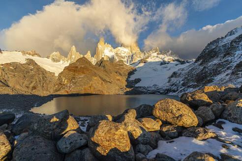 Fitz Roy range in the morning at Laguna Los Tres, El Chalten, Los Glaciares National Park, UNESCO World Heritage Site, Santa Cruz province, Argentina, South America - RHPLF13145