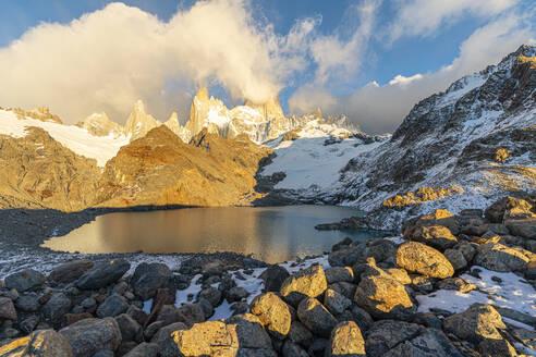 Fitz Roy range in the morning at Laguna Los Tres, El Chalten, Los Glaciares National Park, UNESCO World Heritage Site, Santa Cruz province, Argentina, South America - RHPLF13148