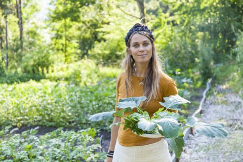 Woman gardening - TCF06238