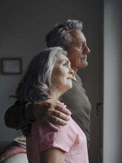 Portrait of a senior couple at home - GUSF03010
