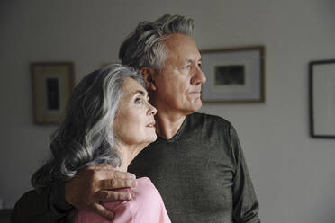 Portrait of a senior couple at home - GUSF03118