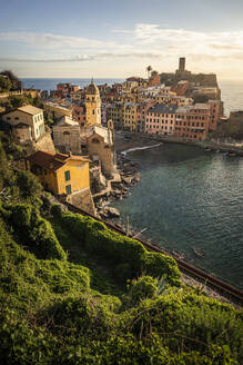 Townscape of Vernazza, Liguria, Italy - MSUF00104