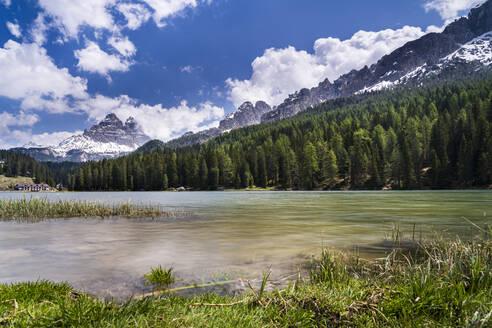 Iltaly, Veneto, Sexten Dolomites, Lake Misurina and Tre Cime di Lavaredo - STSF02382