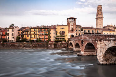 Italy, Veneto, Verona, Ponte Pietra and Adige river - DAWF01057