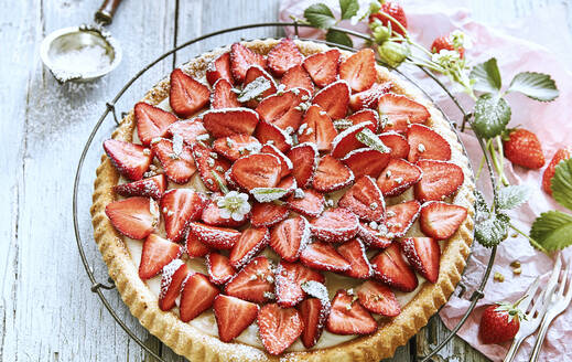 Close-up of homemade strawberry tart - DREF00027