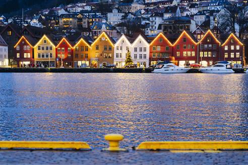 Harbor in Bergen in the evening, Norway - DGOF00010