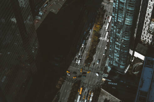 USA, New York, New York City, Aerial view of road intersection in Manhattan - DAMF00259